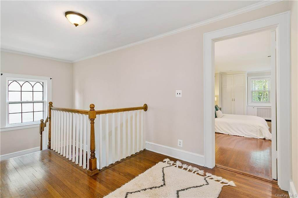 13. Single Family Home for Sale at 10 Hall Avenue Larchmont, New York, 10538 United States