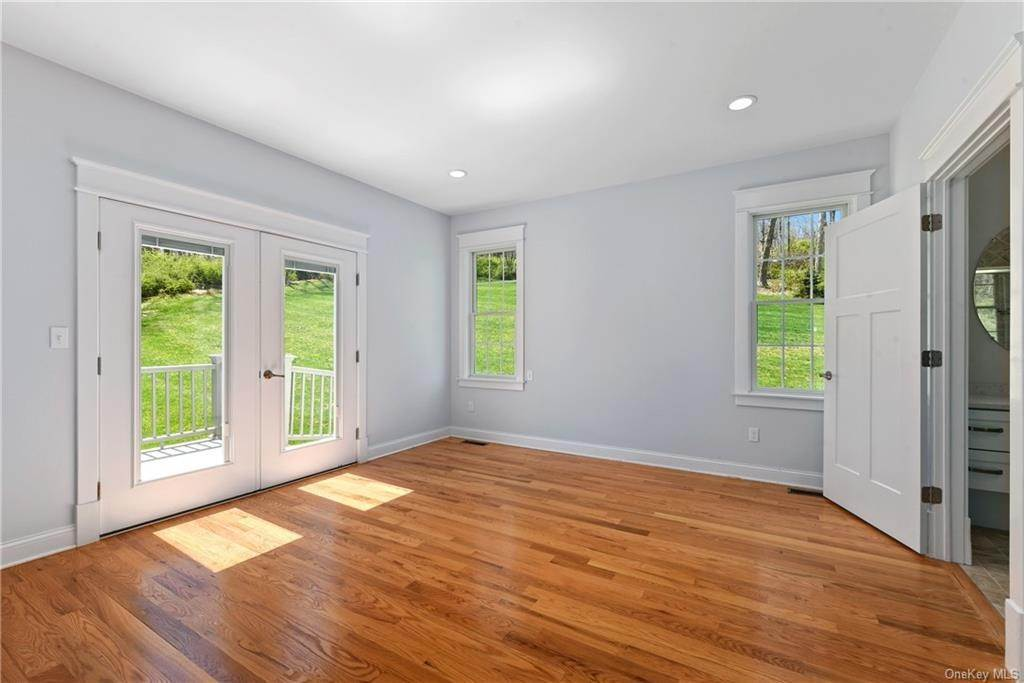 13. Single Family Home for Sale at 76 Mayflower Lane Katonah, New York, 10536 United States