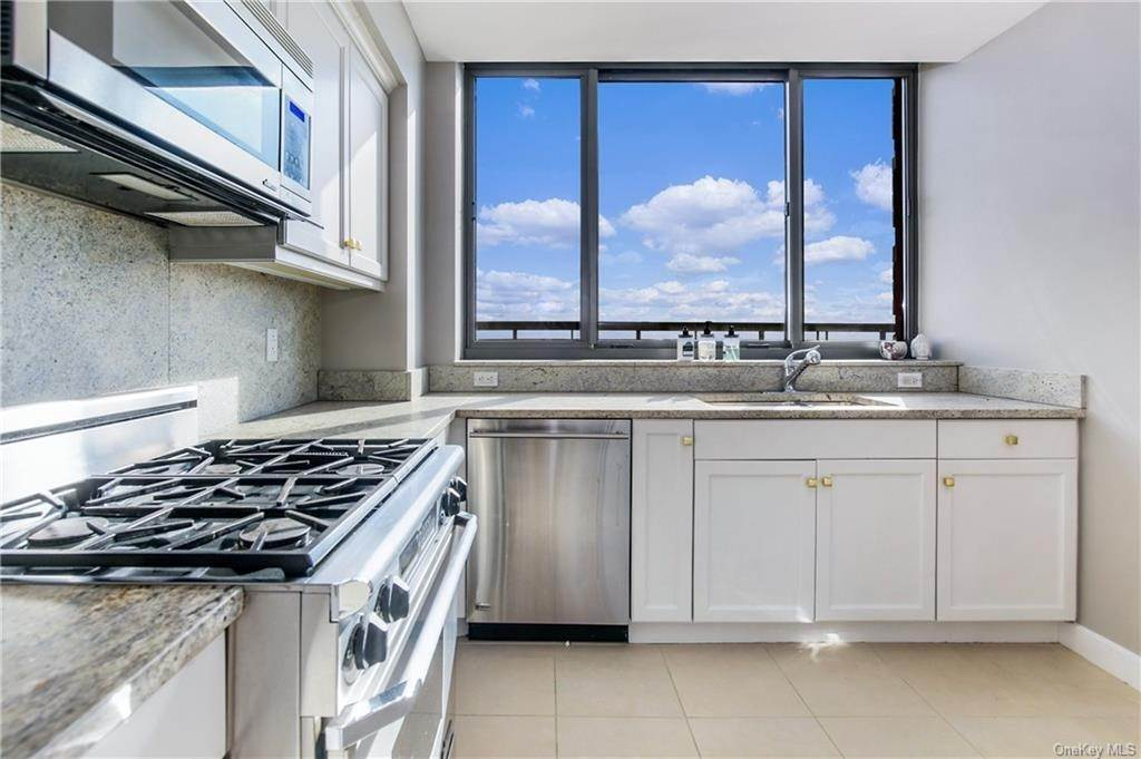 14. Rental Communities for Rent at 10 City Place White Plains, New York, 10601 United States