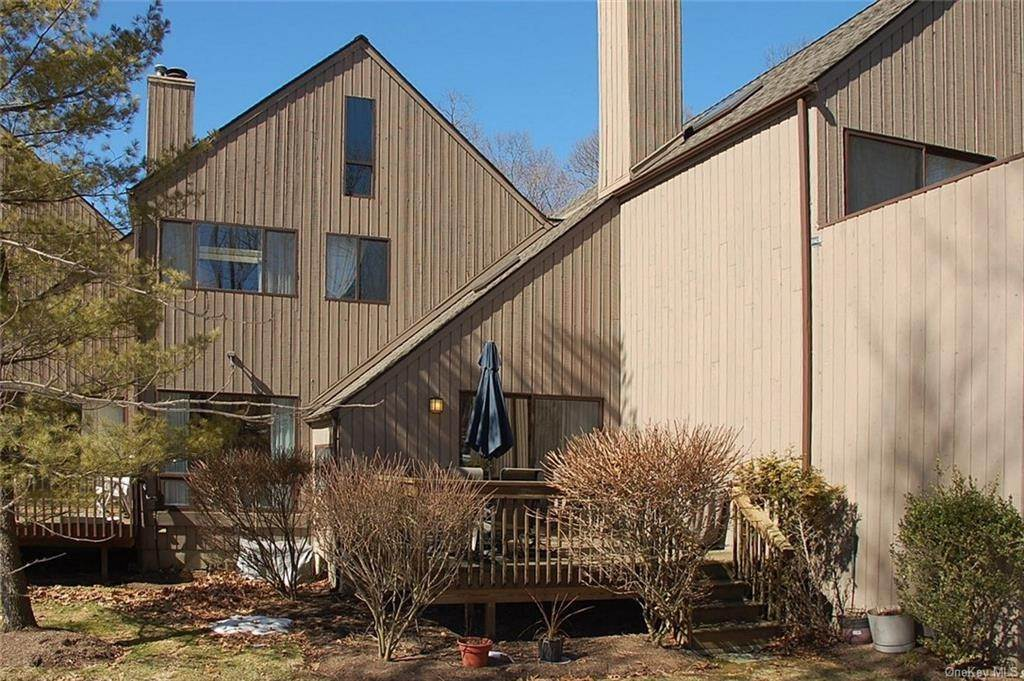 14. Single Family Home for Sale at 24 Rockhagen Road Thornwood, New York, 10594 United States