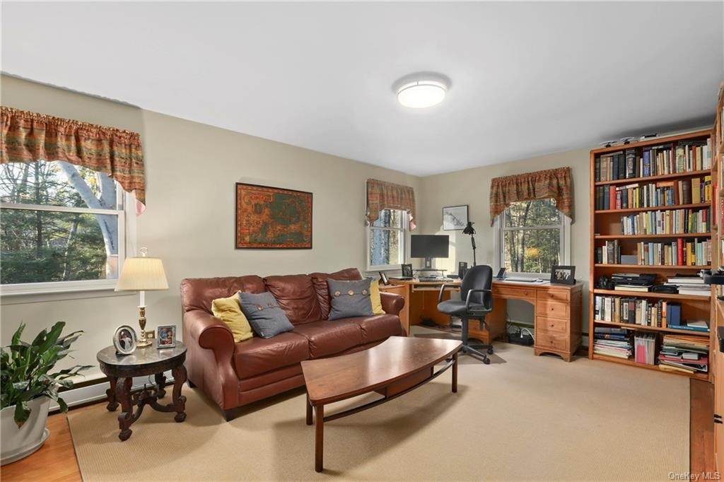 14. Single Family Home for Sale at 22 Bob Hill Road Pound Ridge, New York, 10576 United States