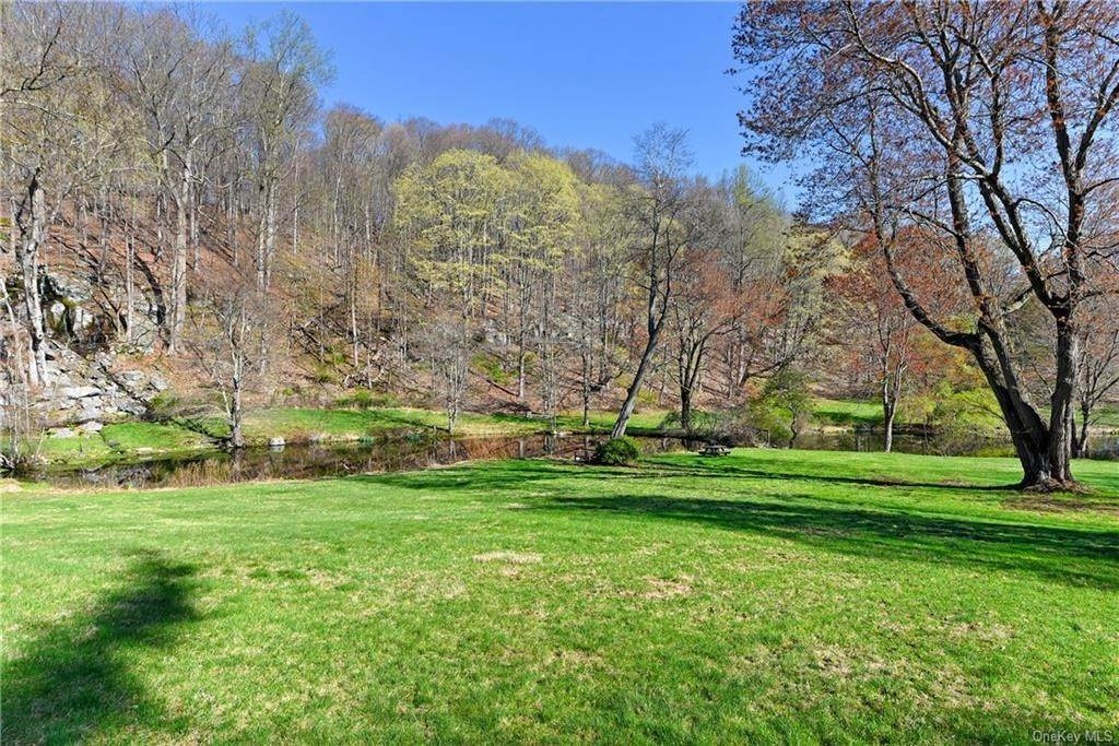 14. Rental Communities for Rent at 135 Mianus River Road Bedford, New York, 10506 United States