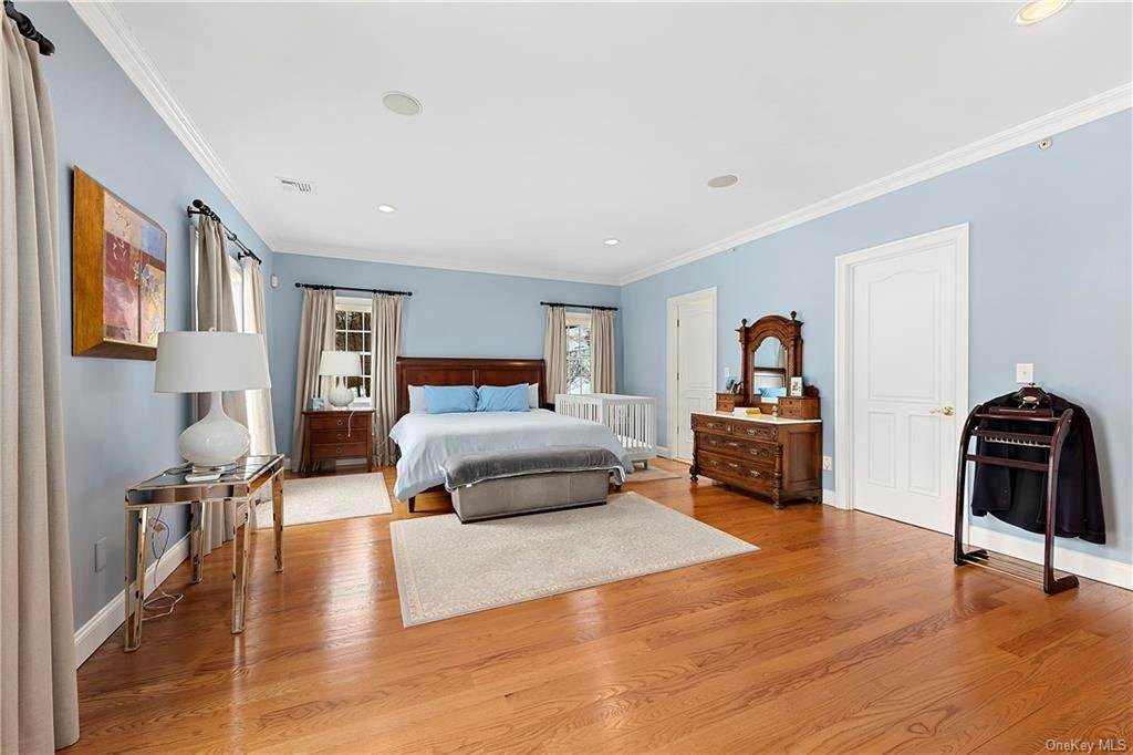 14. Single Family Home for Sale at 81 Sheather Road Bedford Corners, New York, 10549 United States