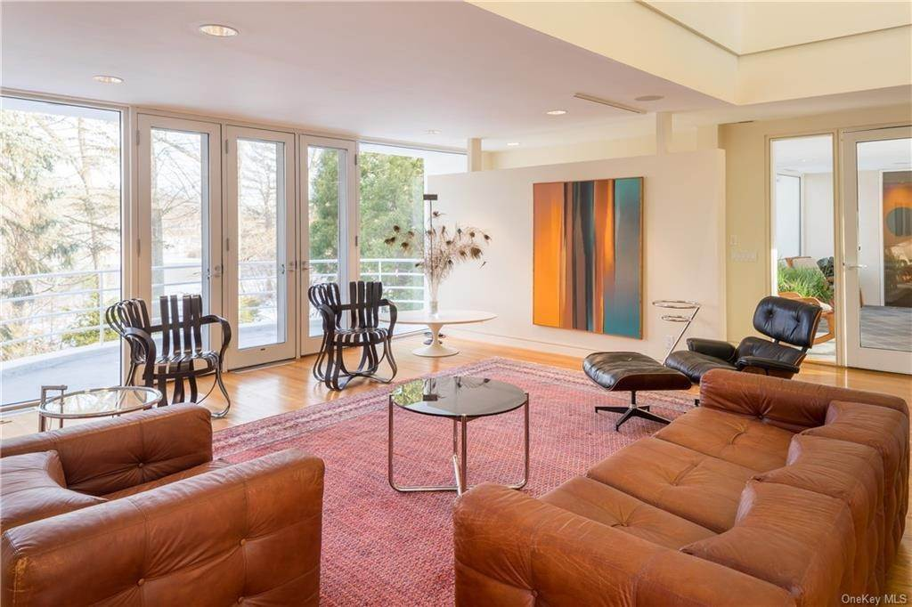 14. Single Family Home for Sale at 38 Mallard Lake Road Pound Ridge, New York, 10576 United States