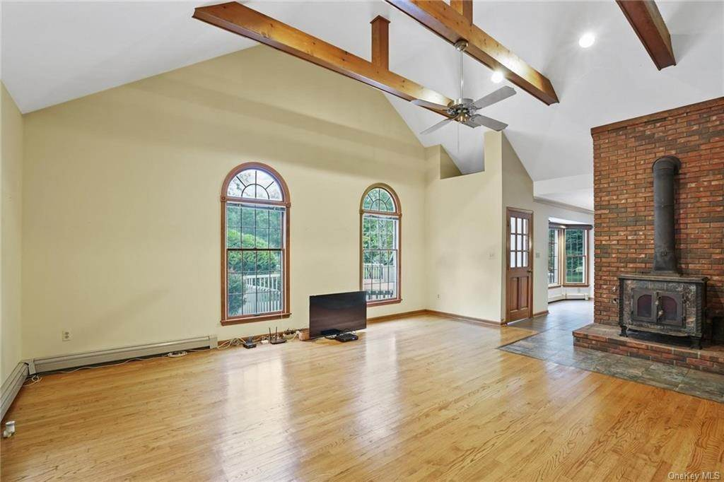 14. Single Family Home for Sale at 184 Sarah Wells Trail Campbell Hall, New York, 10916 United States