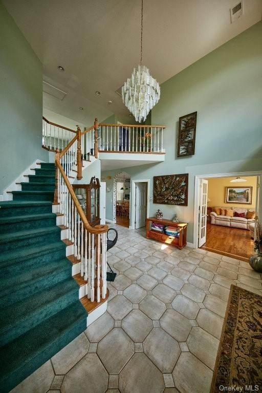 15. Single Family Home for Sale at 80 Waterview Terrace New Windsor, New York, 12553 United States