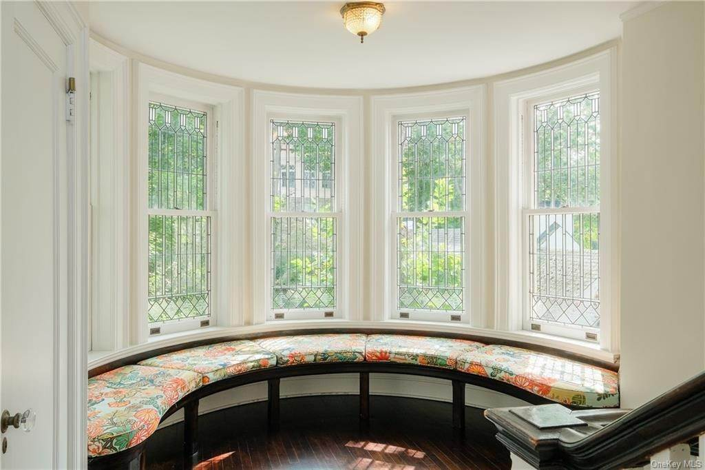 15. Single Family Home por un Venta en 2 Governors Road Bronxville, Nueva York, 10708 Estados Unidos