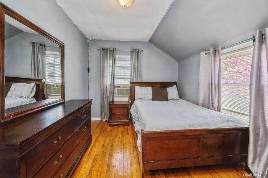 15. Single Family Home pour l Vente à 136 Ramsey Avenue Yonkers, New York, 10701 États-Unis