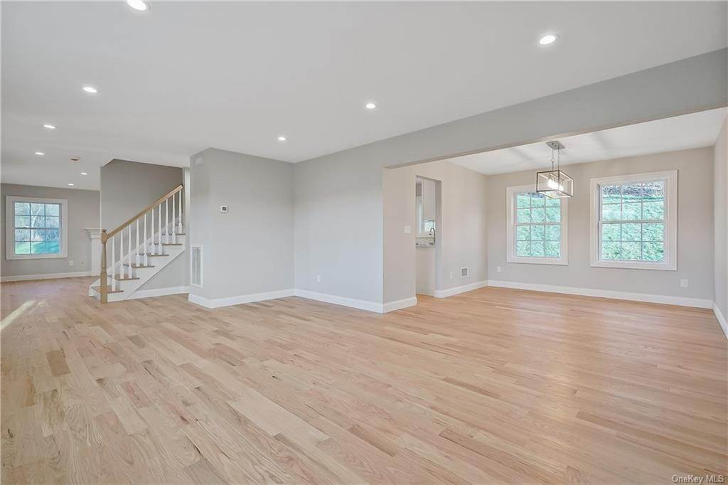 15. Single Family Home for Sale at 64 Hawkes Avenue Ossining, New York, 10562 United States