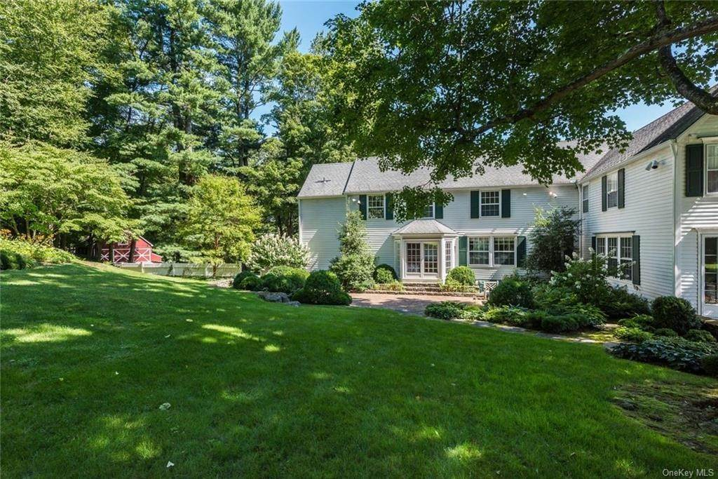 15. Single Family Home for Sale at 129 Fox Lane Bedford Corners, New York, 10549 United States