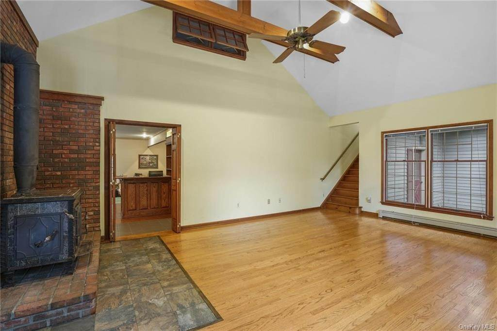 15. Single Family Home for Sale at 184 Sarah Wells Trail Campbell Hall, New York, 10916 United States