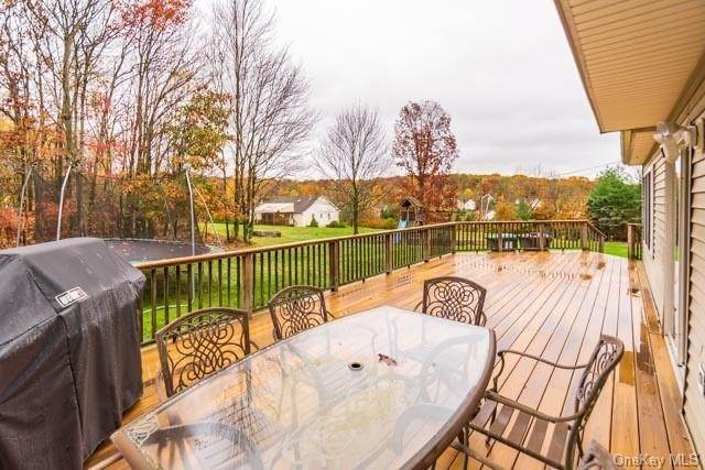 16. Single Family Home for Sale at 2 Sequoia Trail Highland Mills, New York, 10930 United States