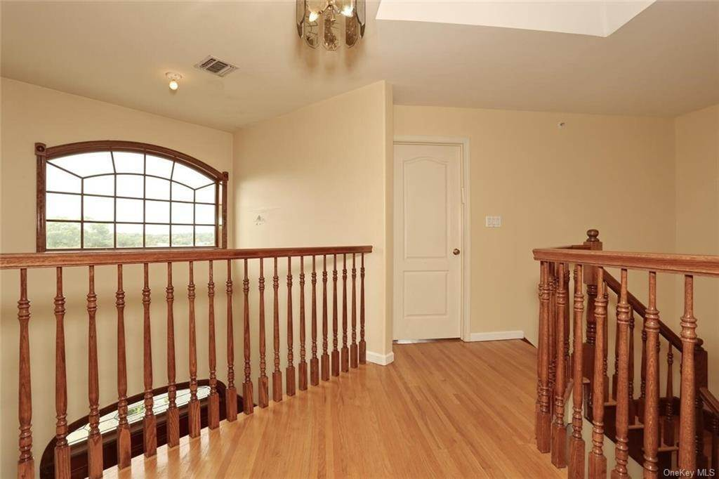 16. Single Family Home for Sale at 23 Monsey Boulevard Monsey, New York, 10952 United States