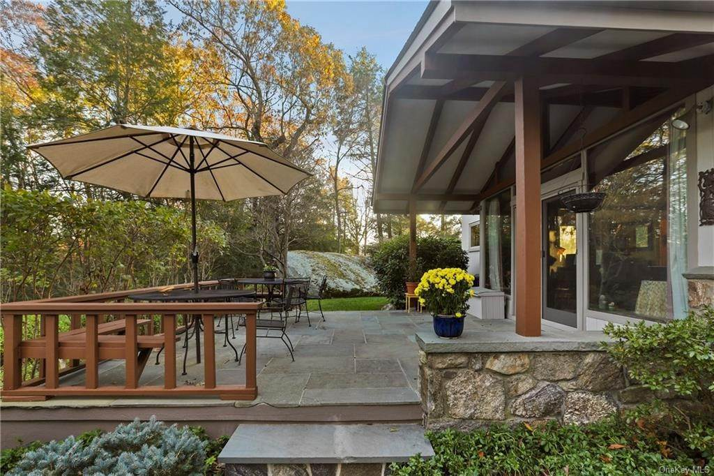 16. Single Family Home for Sale at 22 Bob Hill Road Pound Ridge, New York, 10576 United States