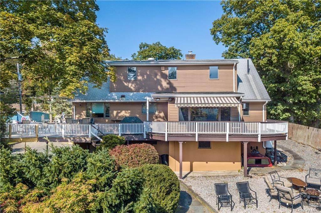 16. Single Family Home for Sale at 200 Jersey Avenue Greenwood Lake, New York, 10925 United States