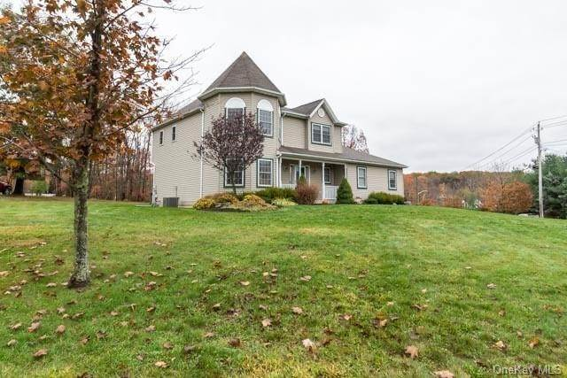 17. Single Family Home for Sale at 2 Sequoia Trail Highland Mills, New York, 10930 United States