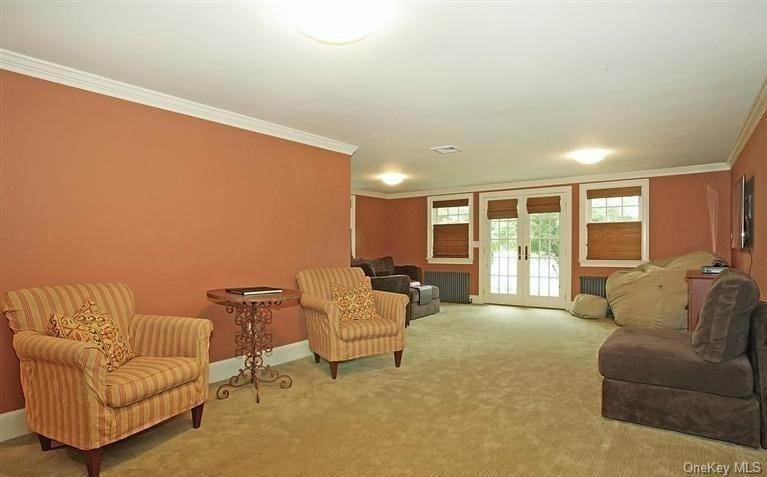 17. Single Family Home for Sale at 245 Bedford Banksville Road Bedford, New York, 10506 United States