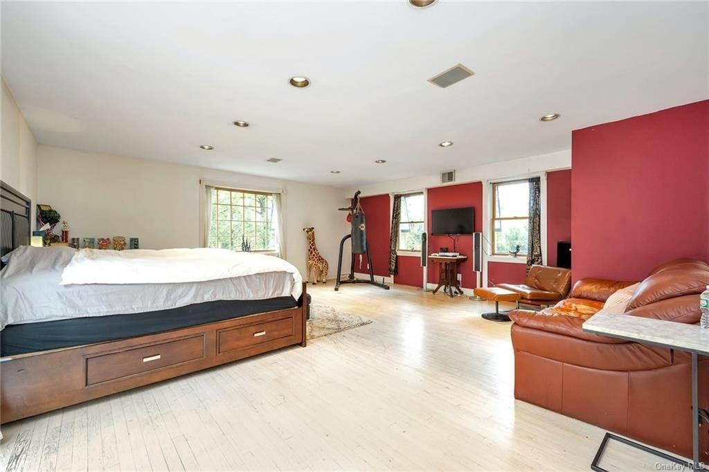 17. Rental Communities for Rent at 254 Fort Hill Road Scarsdale, New York, 10583 United States
