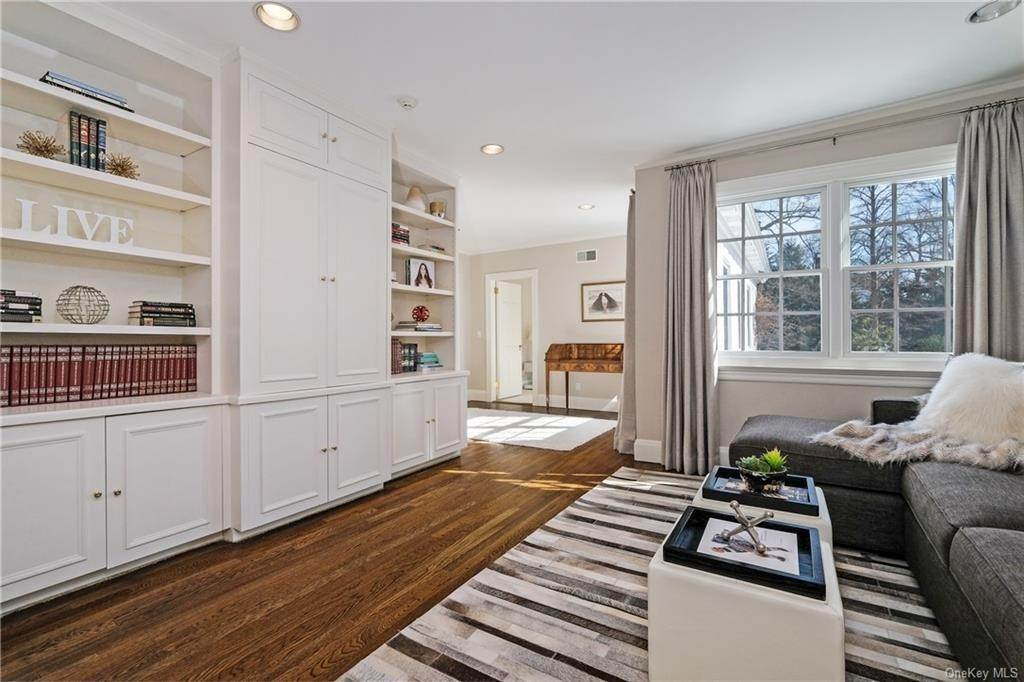17. Rental Communities for Rent at 17A Heathcote Road Scarsdale, New York, 10583 United States