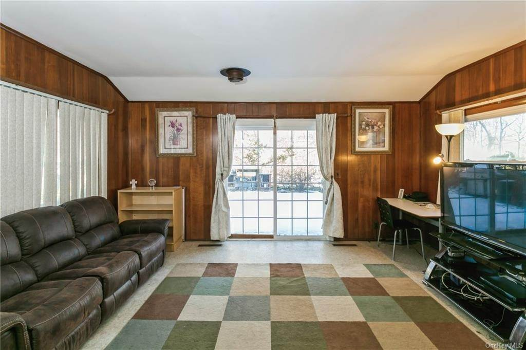 17. Single Family Home por un Venta en 12 Woodland Road New City, Nueva York, 10956 Estados Unidos