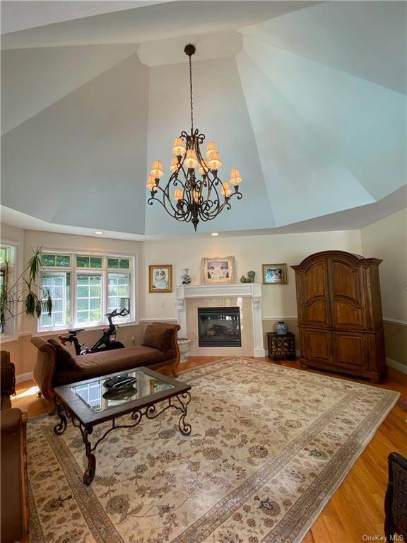 17. Single Family Home for Sale at 29 Helmstown Court Tuxedo Park, New York, 10987 United States
