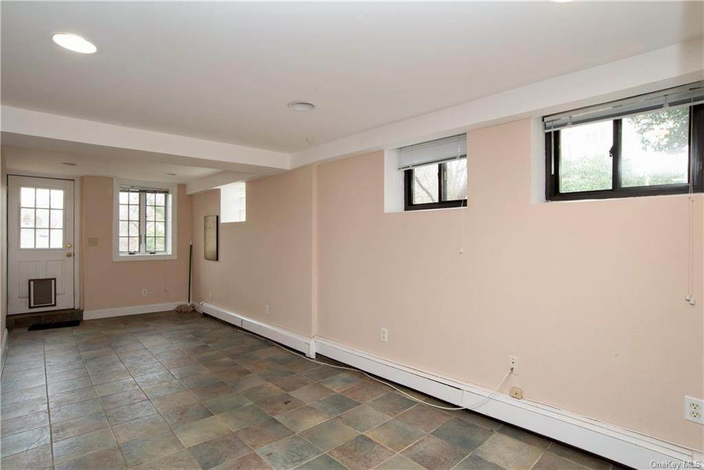 18. Single Family Home pour l Vente à 4 Spruce Road Larchmont, New York, 10538 États-Unis