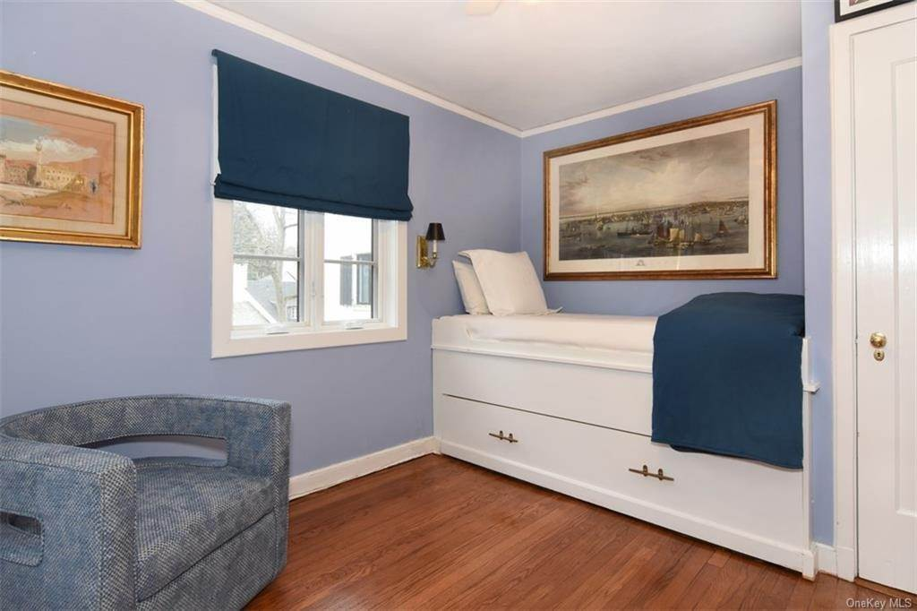 18. Single Family Home for Sale at 5 Park Avenue Terrace Bronxville, New York, 10708 United States