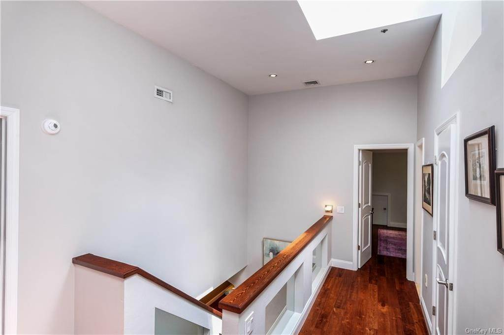 18. Rental Communities for Rent at 190 Fort Hill Road Scarsdale, New York, 10583 United States