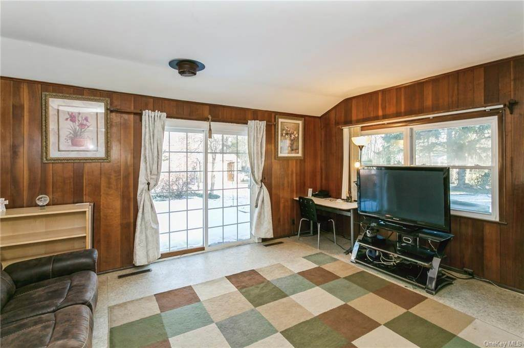18. Single Family Home por un Venta en 12 Woodland Road New City, Nueva York, 10956 Estados Unidos