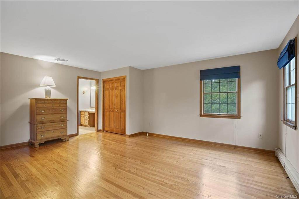 18. Single Family Home for Sale at 184 Sarah Wells Trail Campbell Hall, New York, 10916 United States
