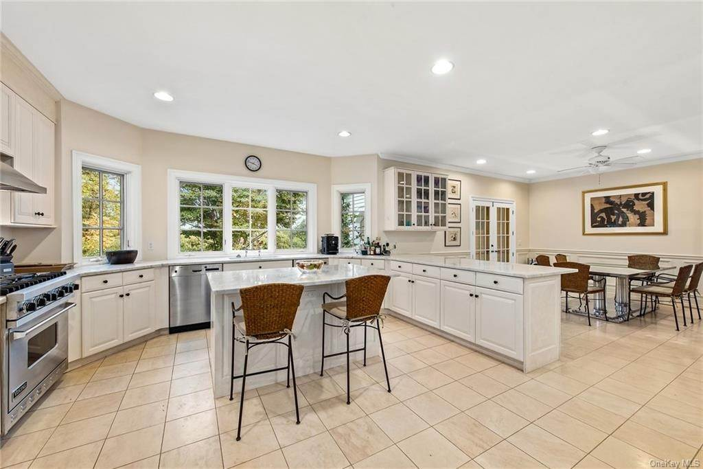 19. Rental Communities for Rent at 180 Davids Hill Road Bedford Hills, New York, 10507 United States