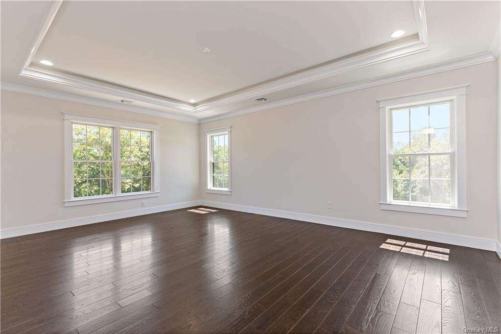 19. Single Family Home for Sale at 72 Fee Court Briarcliff Manor, New York, 10510 United States