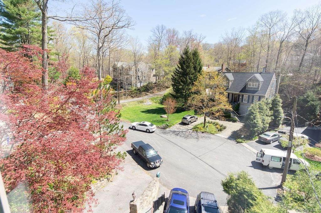 19. Single Family Home for Sale at 377 Lake Shore Drive Pleasantville, New York, 10570 United States