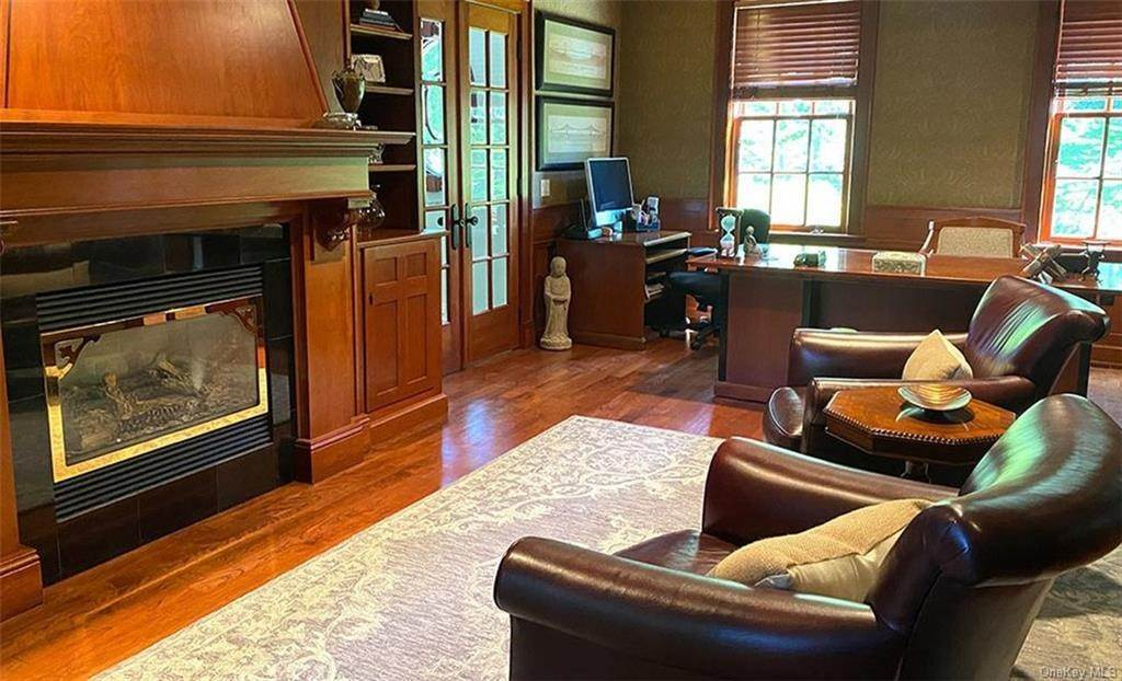 19. Single Family Home for Sale at 75 Summit Road Tuxedo Park, New York, 10987 United States