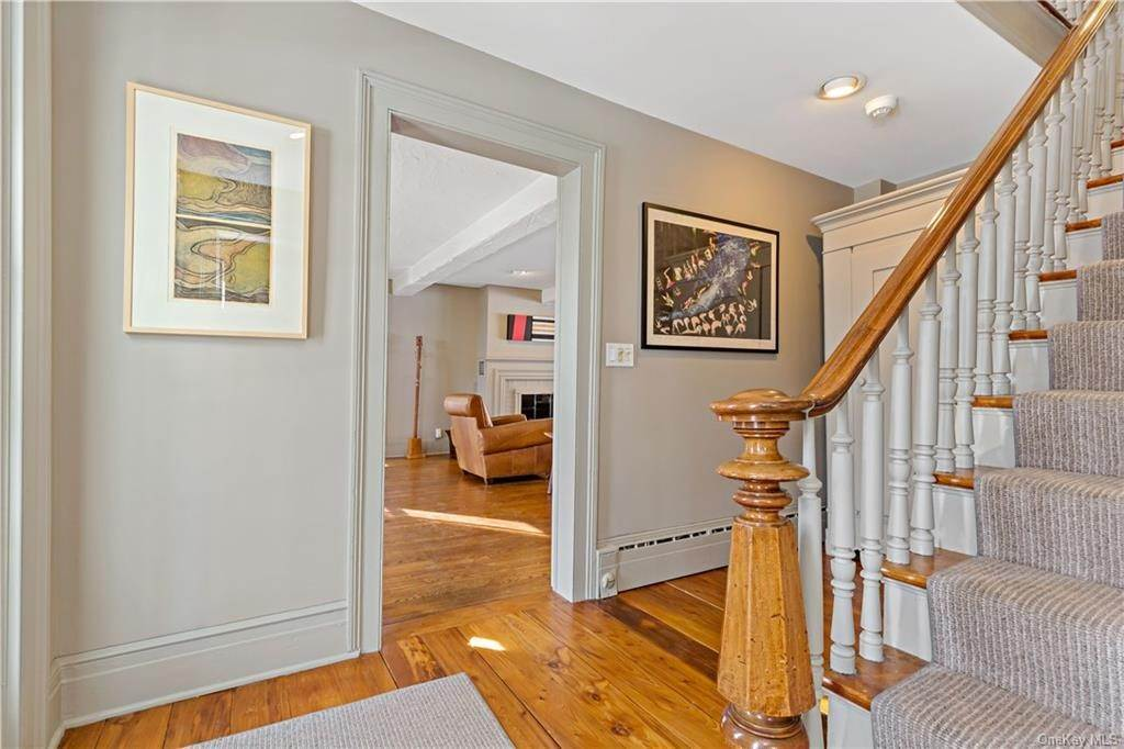 19. Single Family Home for Sale at 630 Birdsall Drive Yorktown Heights, New York, 10598 United States