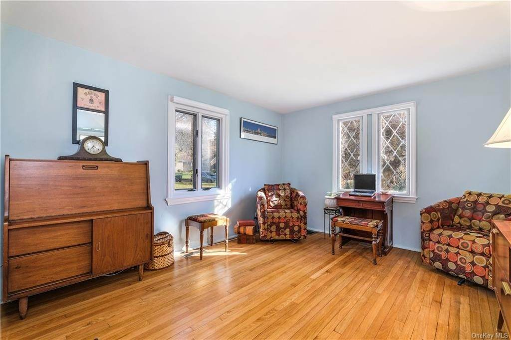 19. Single Family Home for Sale at 19 Old Well Road Purchase, New York, 10577 United States