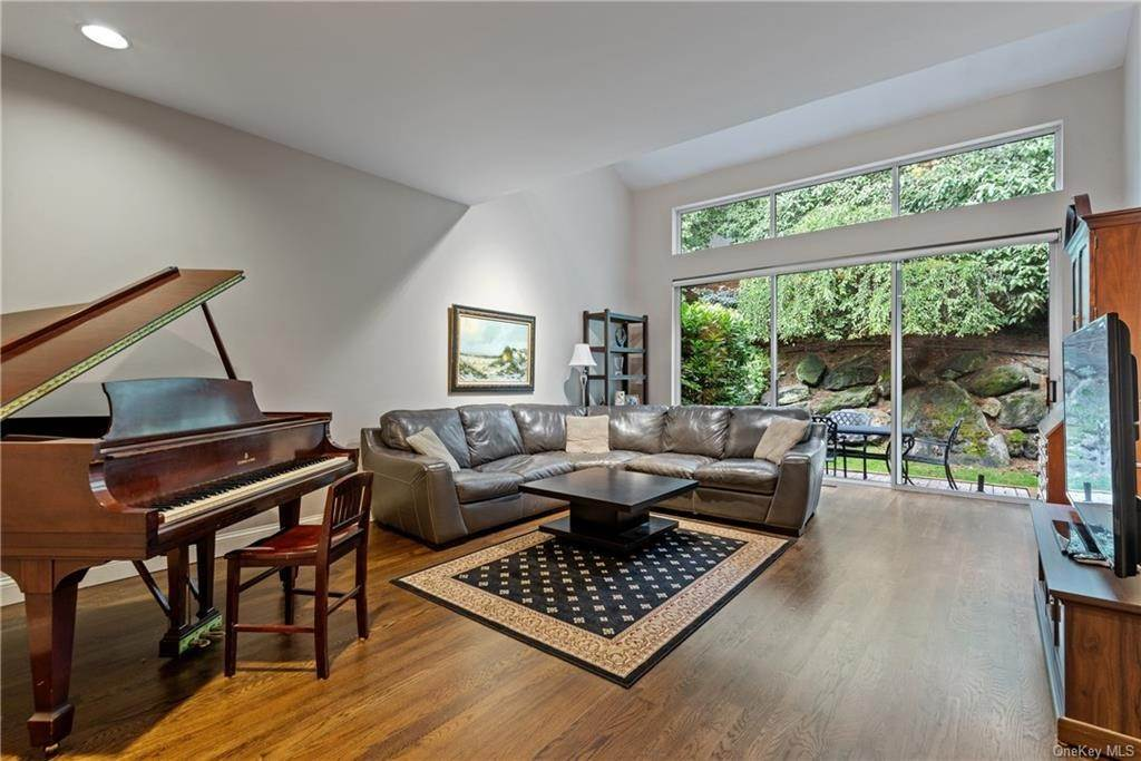 2. Single Family Home for Sale at 23 Indian Hill Road New Rochelle, New York, 10804 United States
