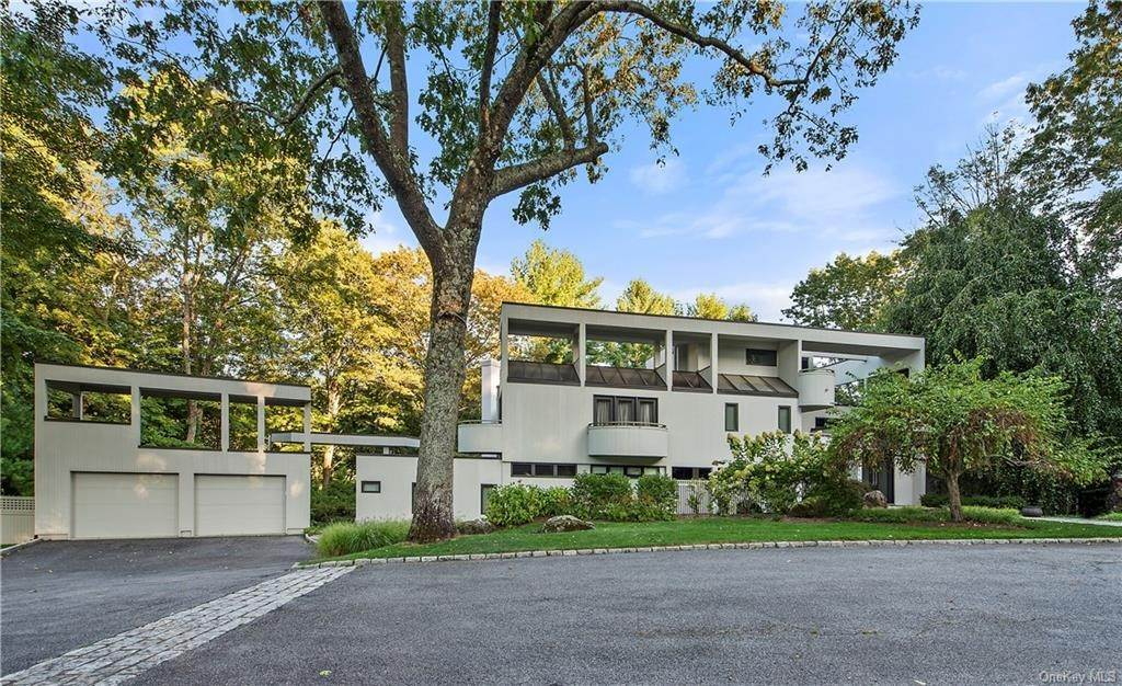 2. Single Family Home for Sale at 10 Beech Hill Lane Pound Ridge, New York, 10576 United States