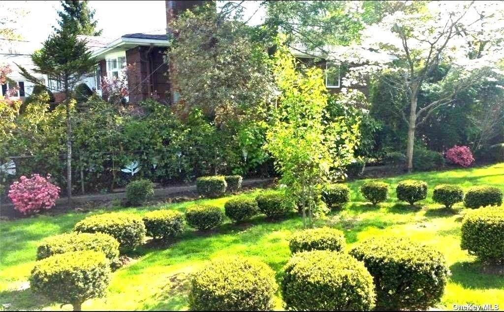 2. Single Family Home for Sale at 5 Rosedale Avenue New Rochelle, New York, 10801 United States