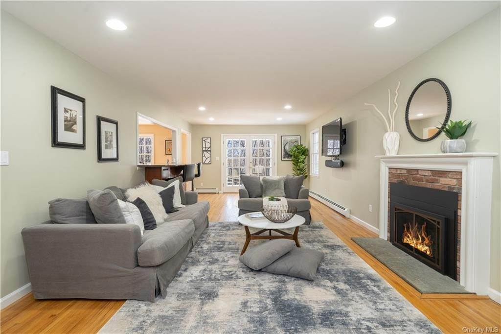 2. Single Family Home por un Venta en 16 Hillcrest Circle Chappaqua, Nueva York, 10514 Estados Unidos
