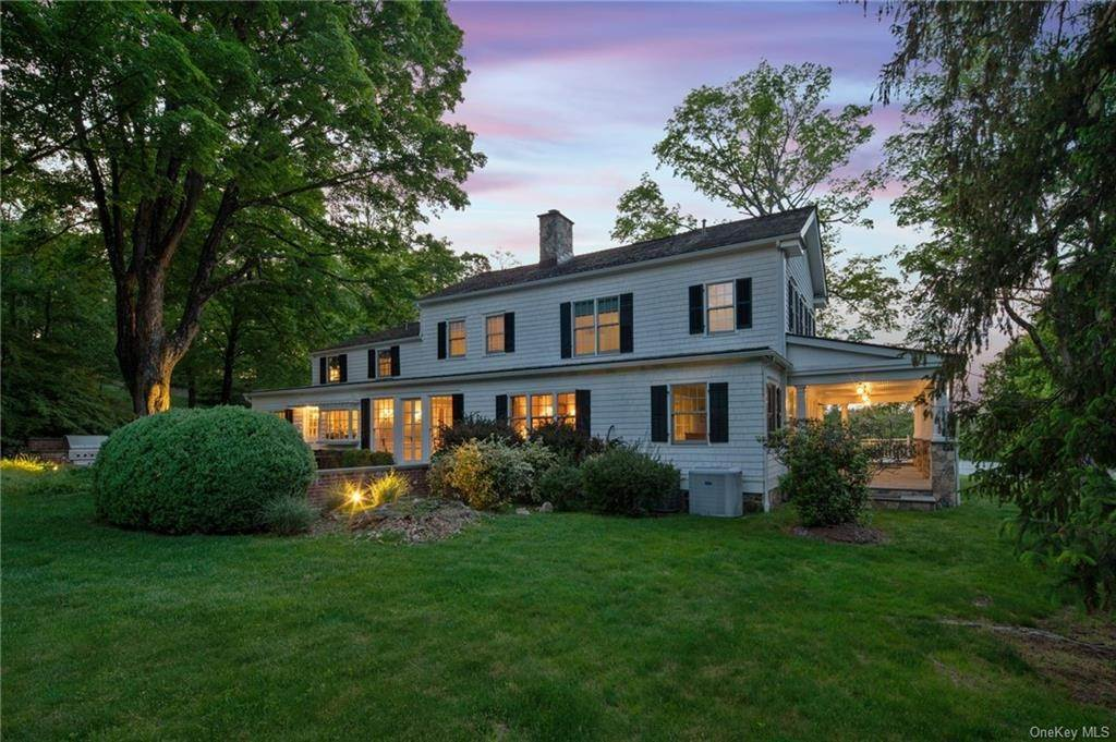 2. Single Family Home for Sale at 245 Bedford Banksville Road Bedford, New York, 10506 United States