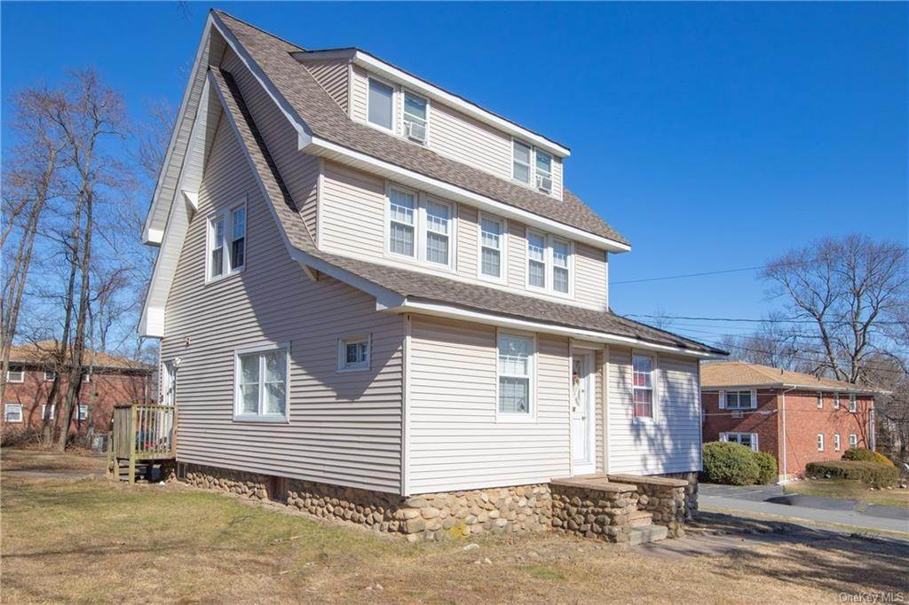 2. Single Family Home por un Venta en 502 W Nyack Road West Nyack, Nueva York, 10994 Estados Unidos