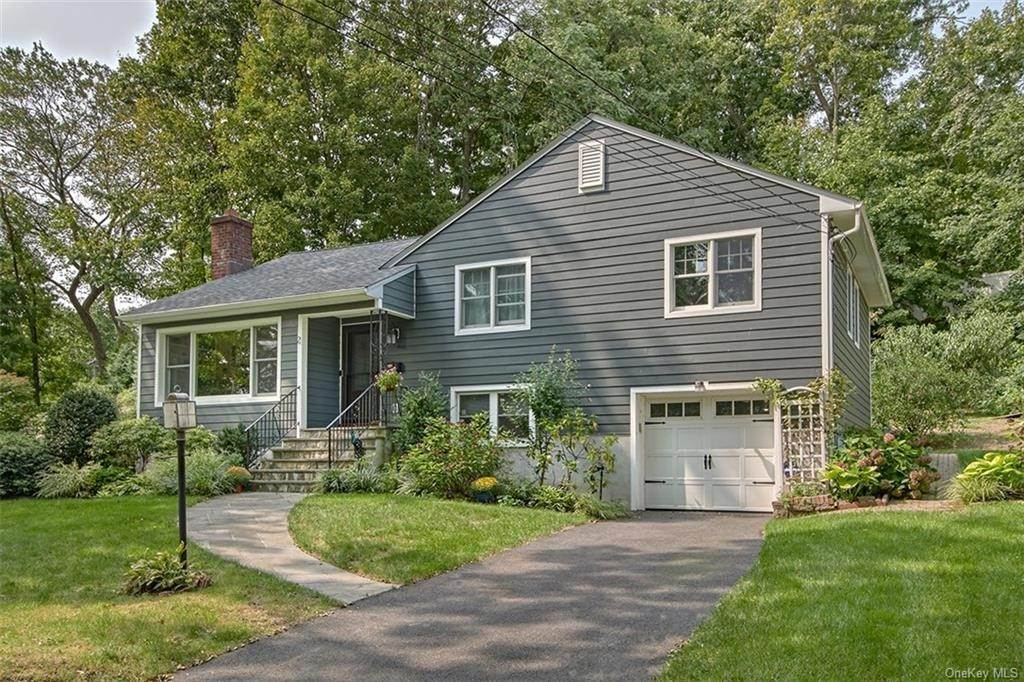 2. Single Family Home for Sale at 2 Pine Ridge Road Rye Brook, New York, 10573 United States