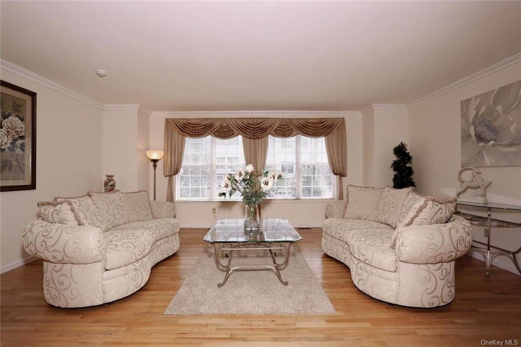 2. Single Family Home for Sale at 17 Forest Ridge Road Nyack, New York, 10960 United States