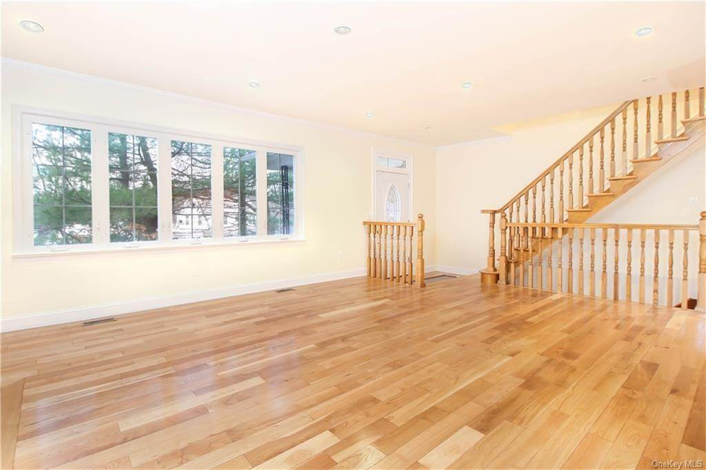 2. Single Family Home for Sale at 21 Bramblebrook Road Ardsley, New York, 10502 United States