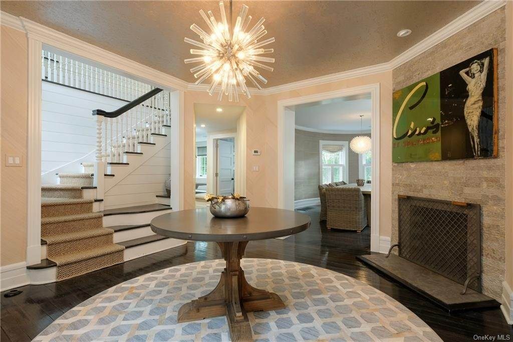 2. Single Family Home for Sale at 29 Valley Road Bronxville, New York, 10708 United States