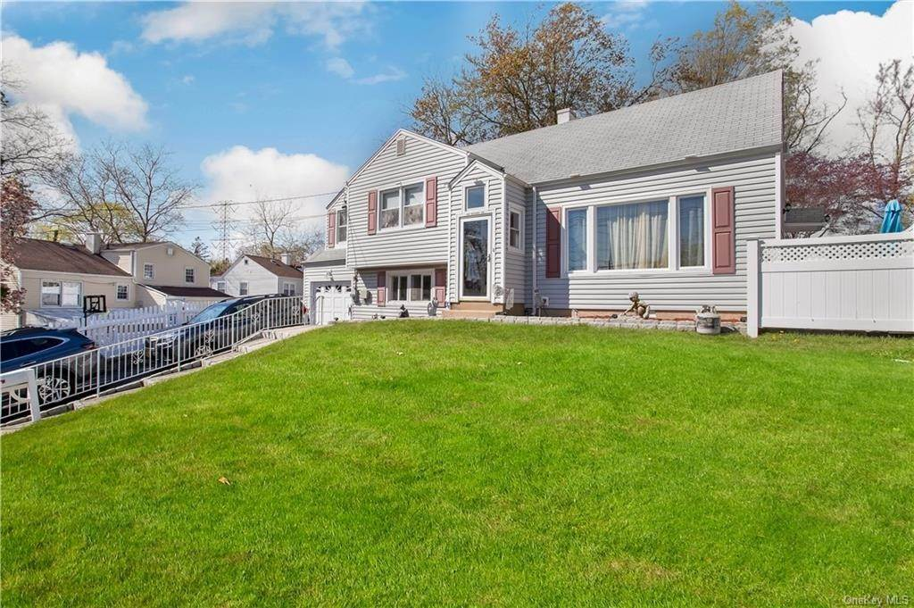 2. Single Family Home for Sale at 100 Roxbury Drive Yonkers, New York, 10710 United States