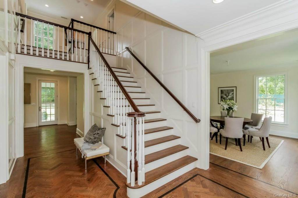 2. Single Family Home for Sale at 3 Meadow Road Scarsdale, New York, 10583 United States