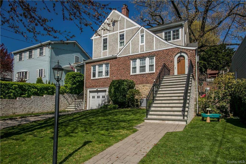 2. Single Family Home for Sale at 52 Sherwood Drive Larchmont, New York, 10538 United States