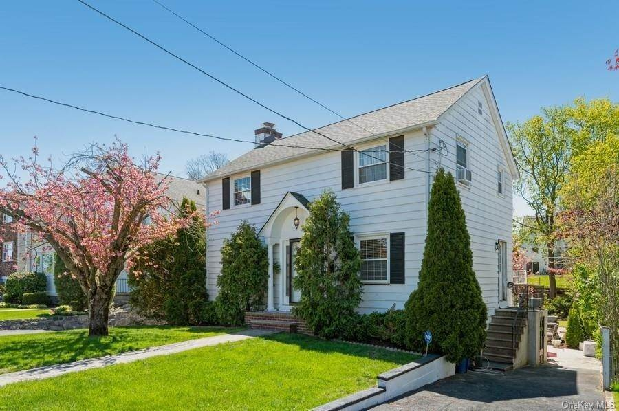 2. Single Family Home pour l Vente à 136 Ramsey Avenue Yonkers, New York, 10701 États-Unis
